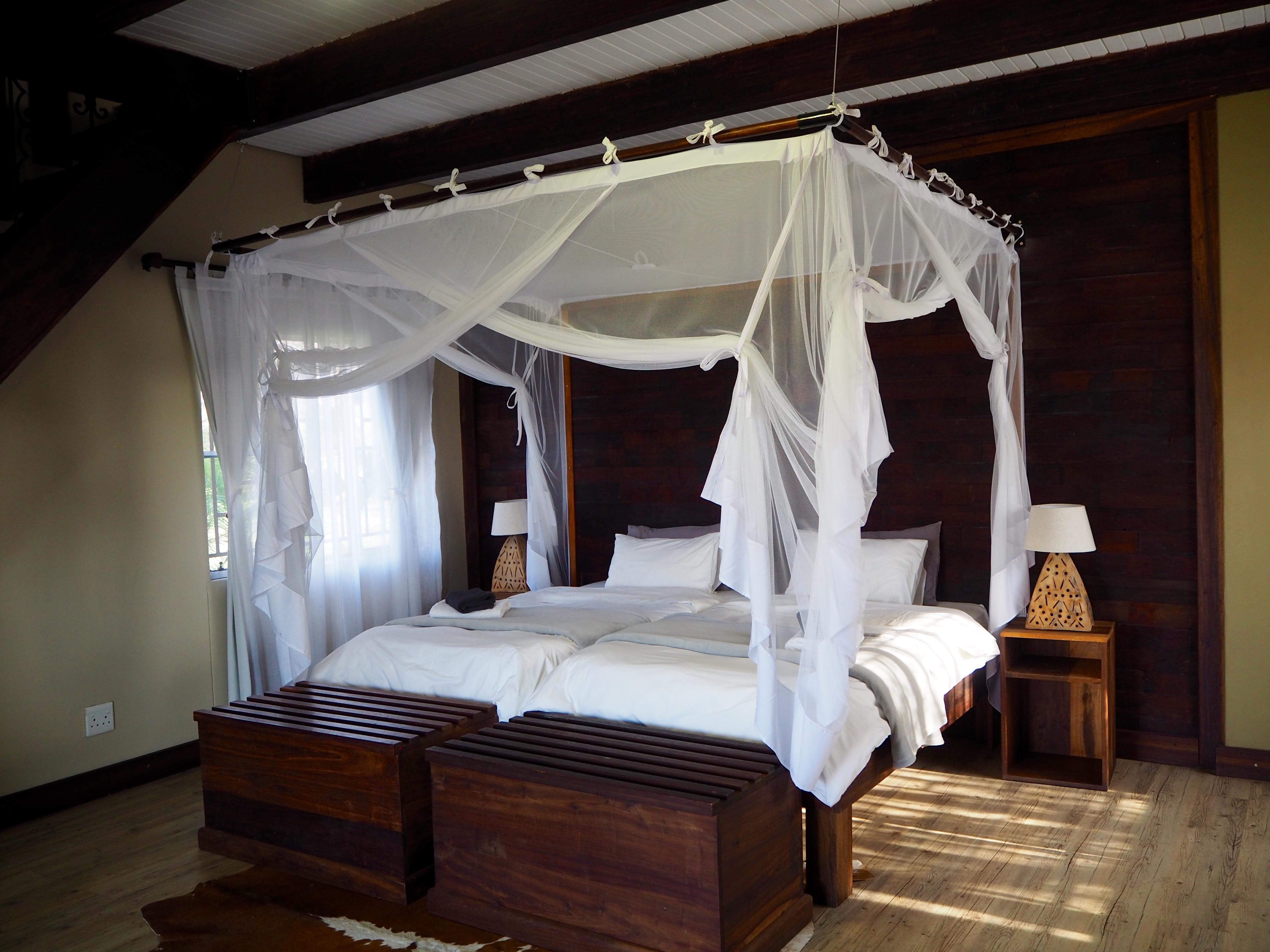 Namibia Okavango Hakusembe Lodge Luxus Hütte