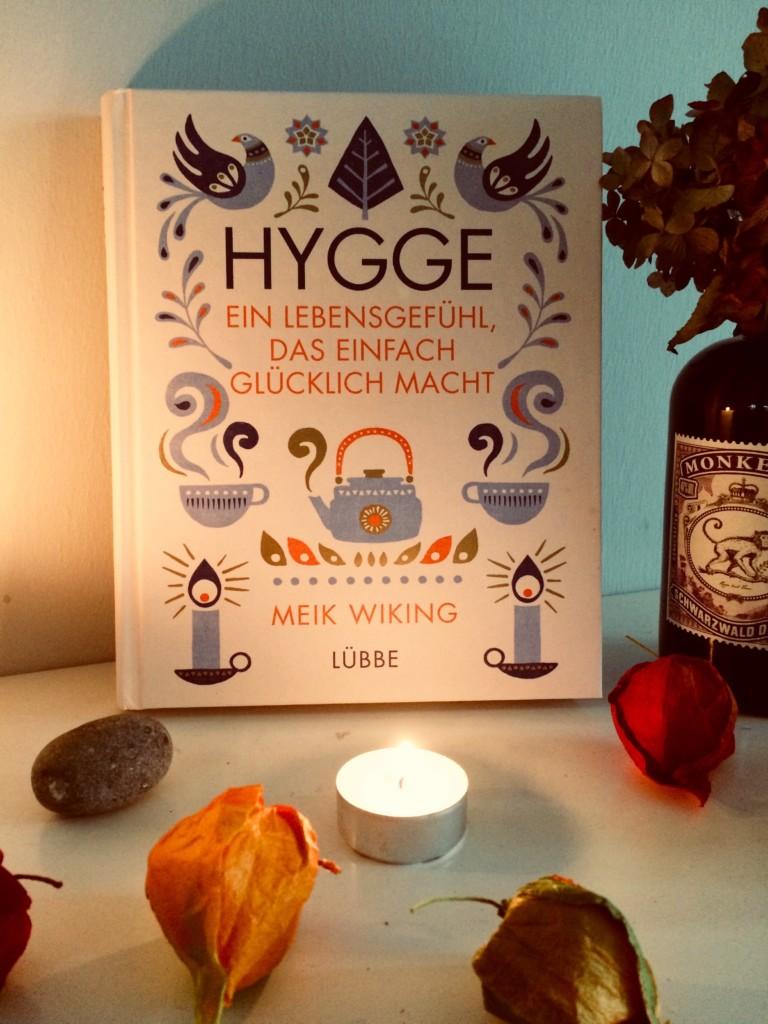 Hygge Buch Cover Kerzen Lübbe Verlag Lebensgefühl Herbst Gemütlich