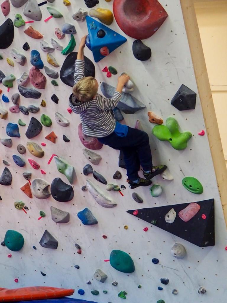 Klettern Bouldern Västervik Smaland Schweden Familie Aktivurlaub