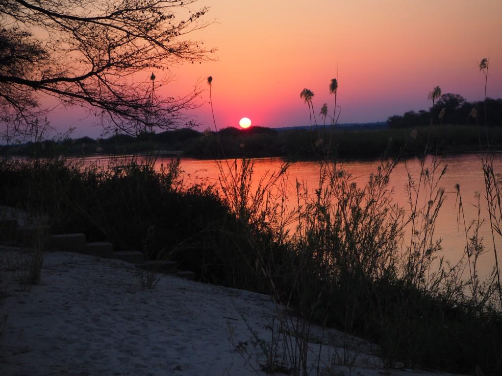 Hakusembe Lodge am Okavango Gondwana Rundu Namibia Paradies Sunset Sonnenuntergang