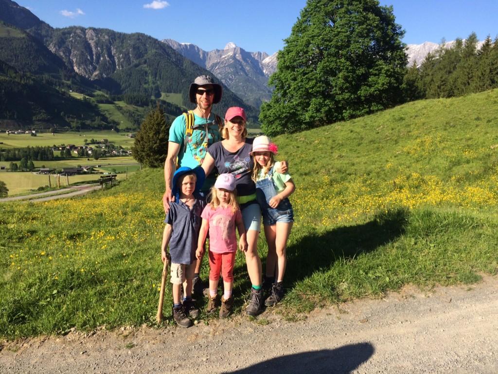 Familie Berge Reisen Österreich Tirol